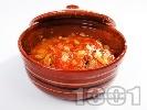 Рецепта Пилешка кавърма с месо от филе, гъби, моркови, домати, зелени чушки и праз лук в гювечета или глинен гювеч на фурна